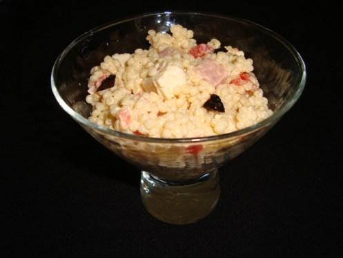 Salade de perles ( tomate, poivron rouge et feta )