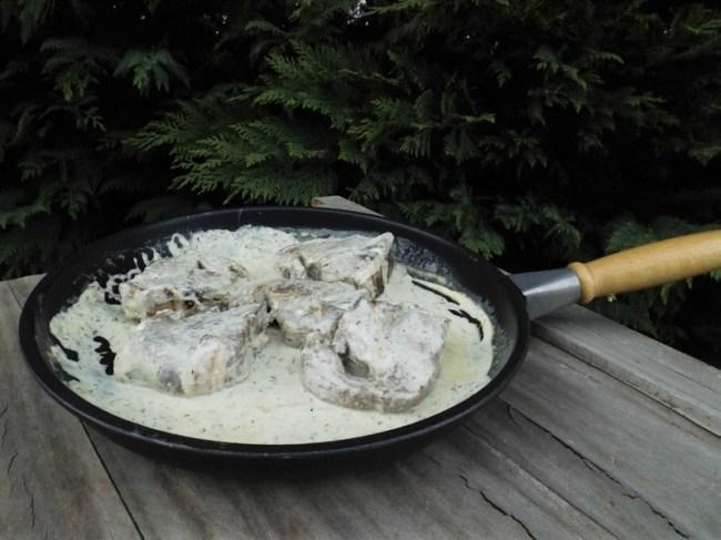 Côtes d'agneau, sauce à l'ail et au thym (2)