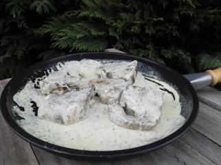 Côtes d'agneau, sauce à l'ail et au thym2 (2)
