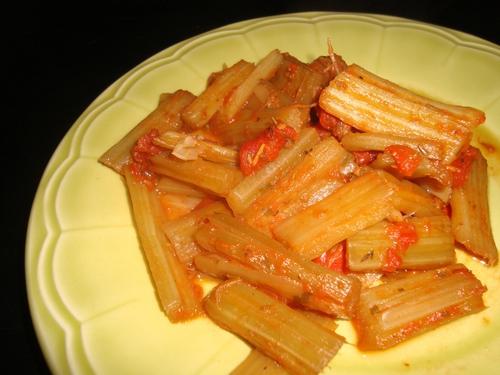 Côtes de blettes à la tomate.jpg