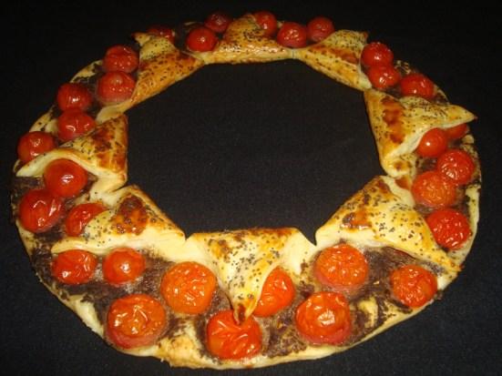 Tarte couronne à la tapenade et aux tomates cerise2
