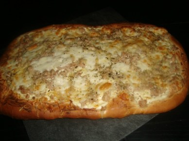 Pizza blanche au thon2