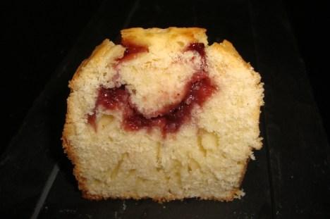 Mini-cake à la confiture de fraise2.jpg