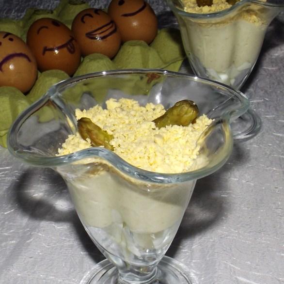 Verrines aux asperges et roquefort mimosa