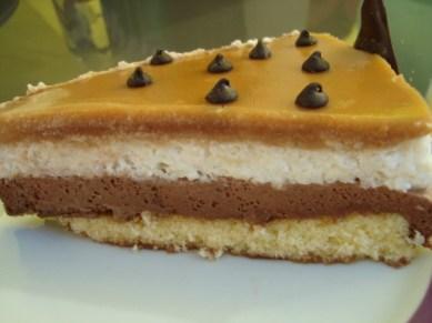entremets saveurs du nord ( mousse poire, mousse chocolat et nappage caramel )3