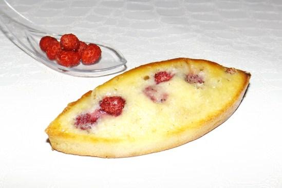 Barquette financière aux fraises des bois et au chocolat blanc