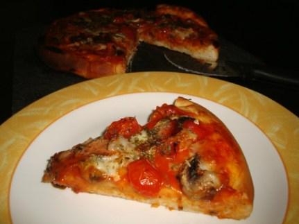 Pizza finades, champignons, tomates cerises et mozzarella2