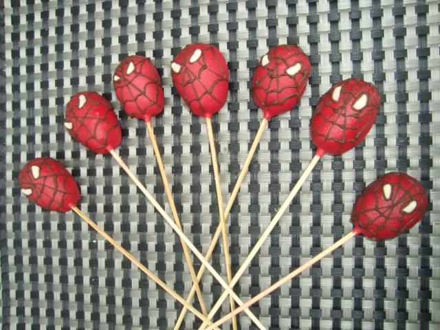 Cake pops Spiderman2