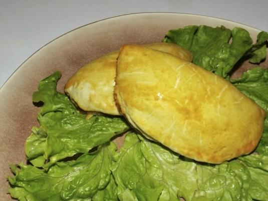 Empanadas au thon et aux tomates