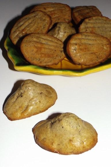 Madeleines apéritives au Confi'pol olive noire et au roquefort.jpg