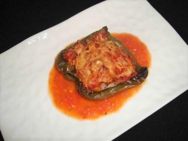 Poivron farci au riz basmati et à la tomate ( recette Veggie )