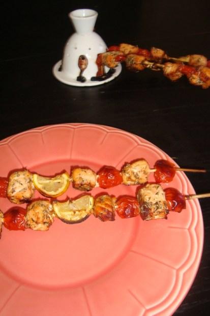 Brochette saumon, citron et tomates cerise