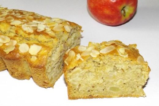 Cake aux pommes et au thé noir pomme amande et cannelle.jpg