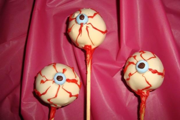 Cake pops yeux globuleux ( pour Halloween )2