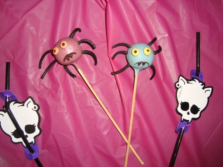 Cakes pops araignée ( pour Halloween )
