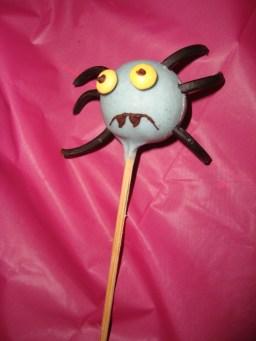 Cakes pops araignée ( pour Halloween )2