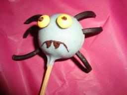 Cakes pops araignée ( pour Halloween )3