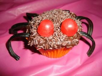 Cupcakes araignée ( pour Halloween ).jpg
