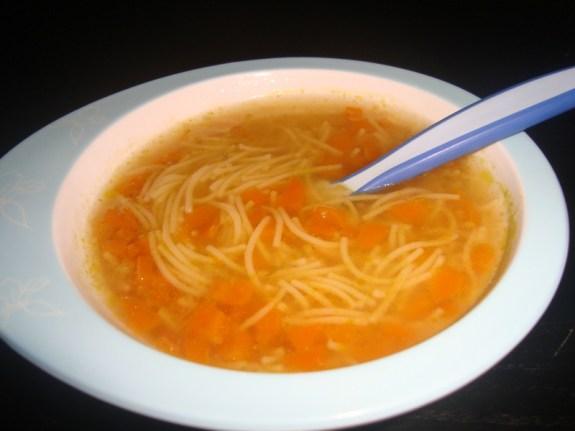 Petit potage de vermicelles aux carottes DES 12 MOIS