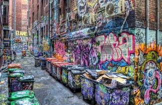 Amazing-Picture-of-Corridor-of-Graffiti-in-Downtown-New-York