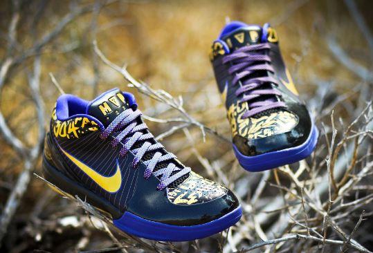*Nike Zoom Kobe IV