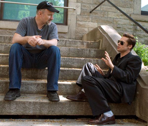 David Fincher y Brad Pitt charlando cómodamente sobre el curioso caso de Benjamin Button