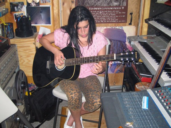 CIBASS Amy Winehouse dos