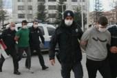 Afyonkarahisar'da genç kıza dehşeti yaşatıp polislere saldıran 2 zanlı tutuklandı