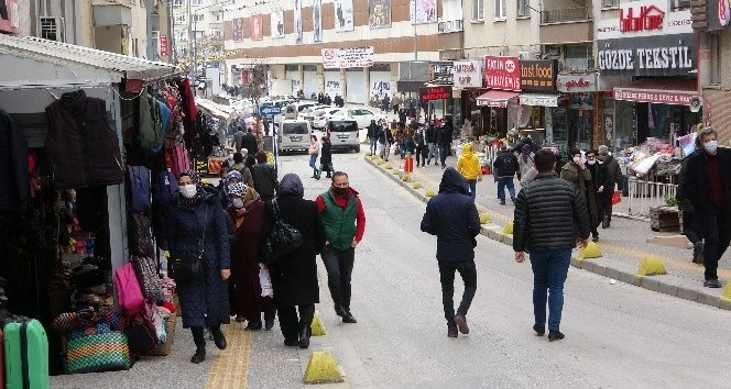 Çankırı'da kısıtlamayı ihlal eden 52 kişiye ceza