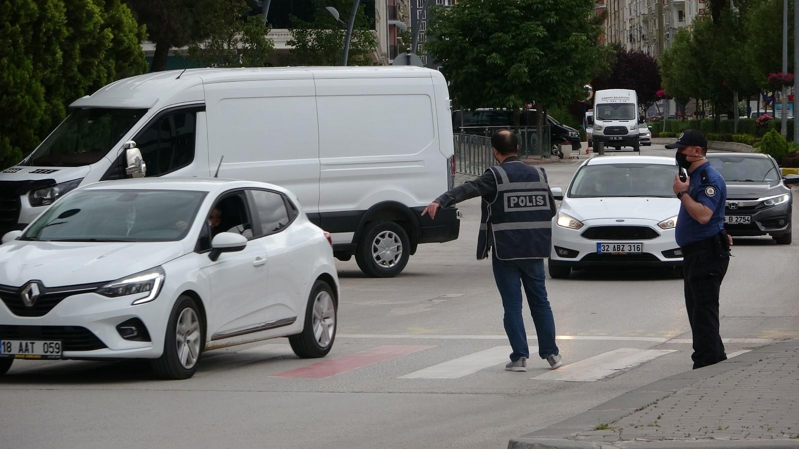 Çankırı'da sokağa çıkma kısıtlaması denetimleri sürüyor