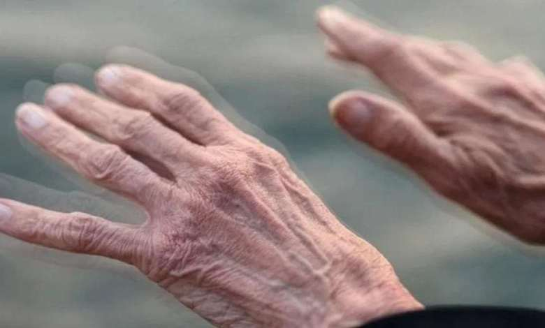 mains tremblantes parlinson