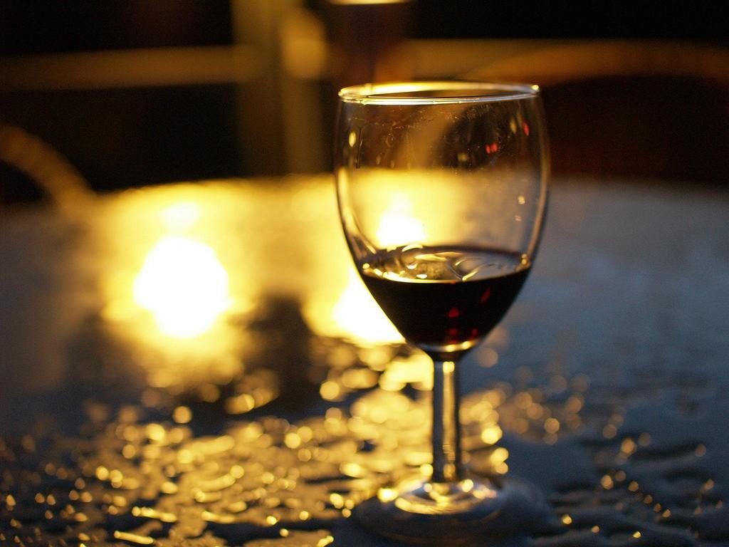 Andrei Niemimäki. wine glass. 2008. Web. Flickr.com. Apr 18. 2018.