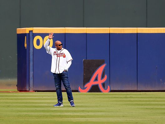 Former baseball star Andruw Jones the latest athlete to step into the cannabis sector