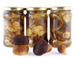 Маринованные грибы в стеклянных банках