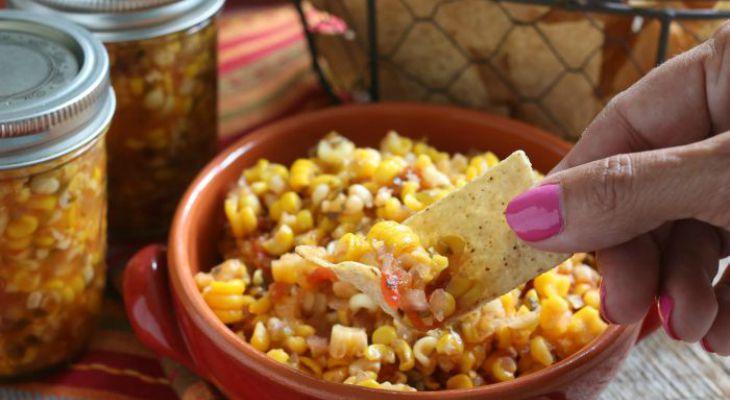 Кукурузная сальса с чипсами