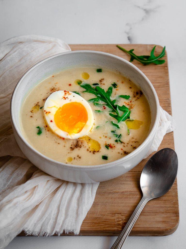 velouté asperges blanches et œuf mollet