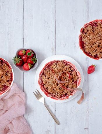 crumble fraises rhubarbe et amandes