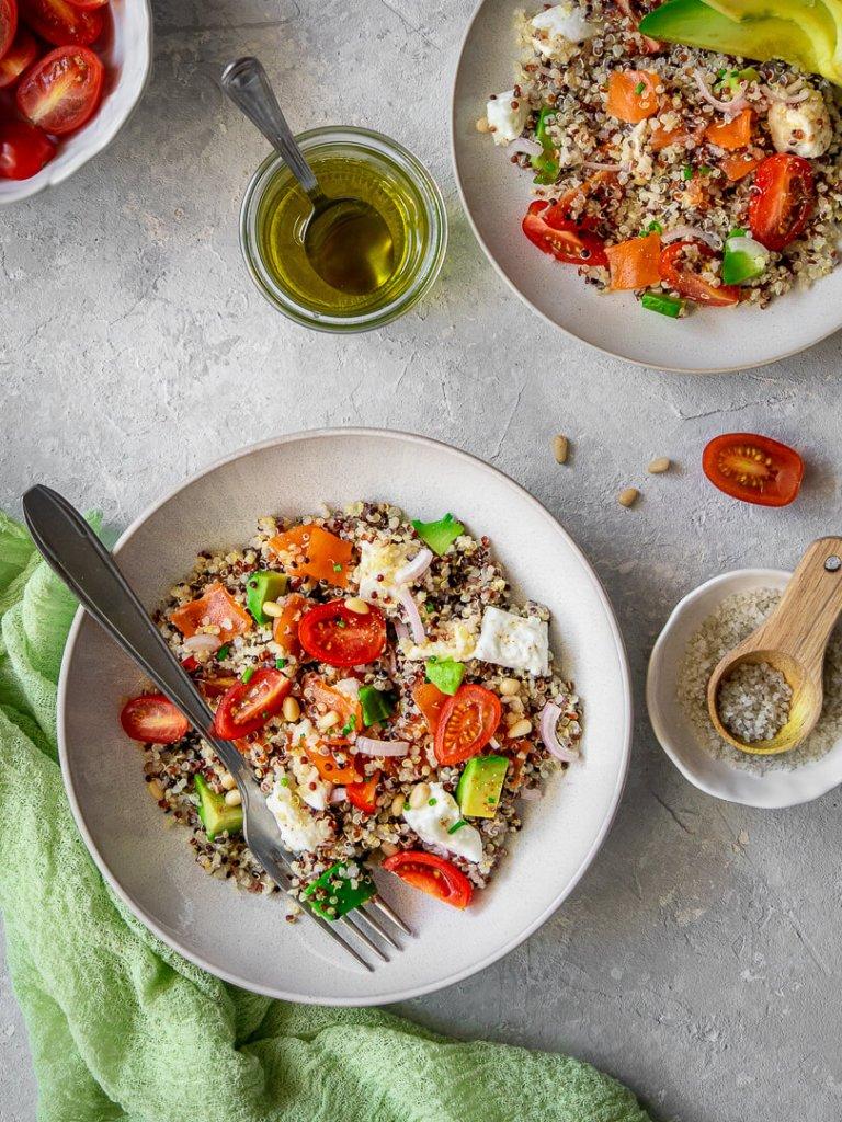 salade fraicheur quinoa avocat et truite fumee