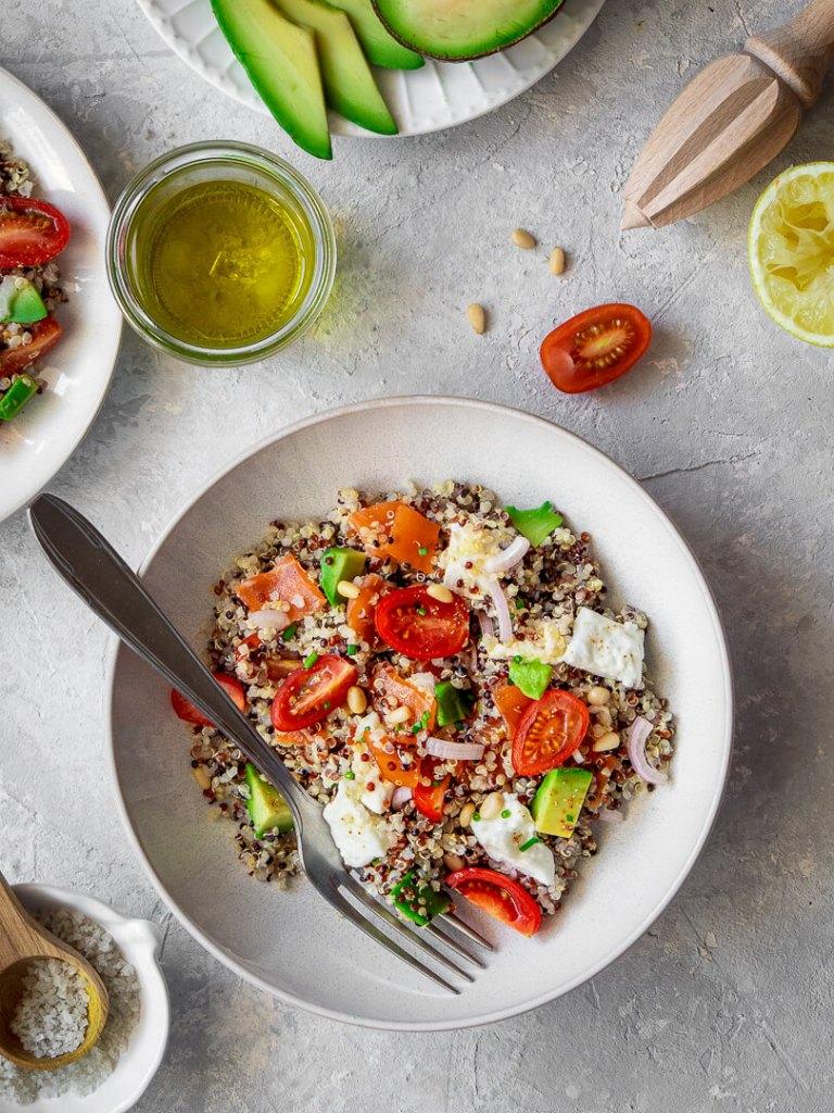 salade composee quinoa avocat truite fumee