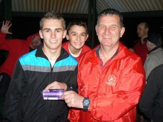 Tues 3rd September 2013 : Club member Dave Brown presenting tonights winner Jake Hammond with a movie voucher