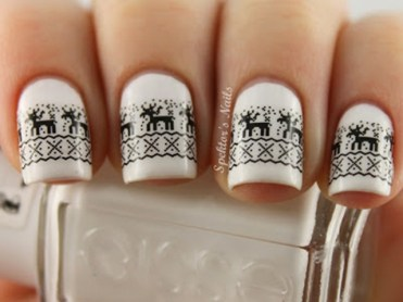 Holiday-Inspired-Nails-White-Reindeer-Nails_thumb