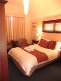 18.bedroom2