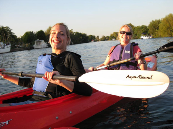 Canoe trip on the River Thames with London Kayak Tours.
