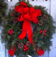 Maine Wreaths come with high quality velvet bows and decorations