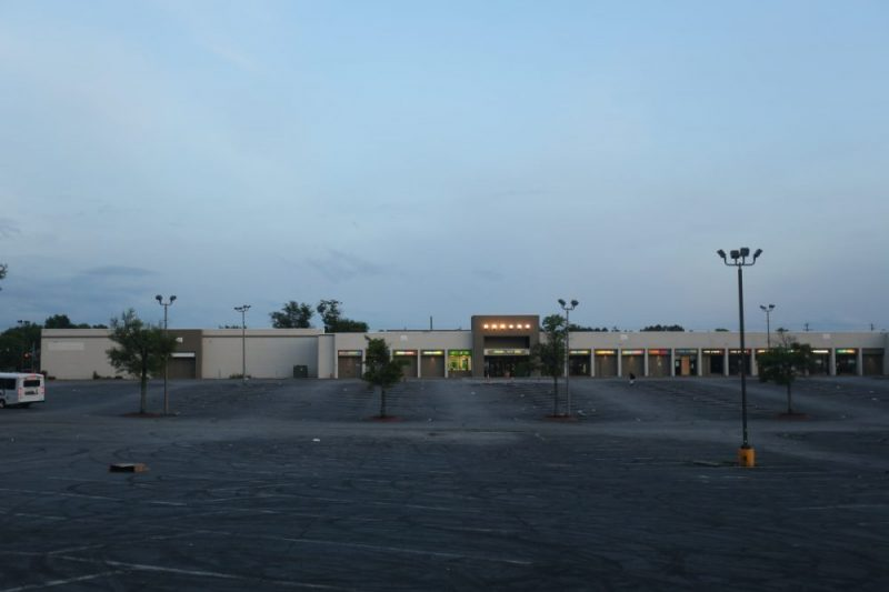 The West End Mall's parking lot