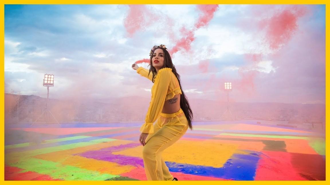 ", Anitta no topo das tabelas nacionais com o novo single ""Medicina"""
