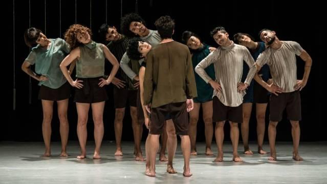 Quasar Cia. De Dança no espetáculo O Que Ainda Guardo em São Paulo