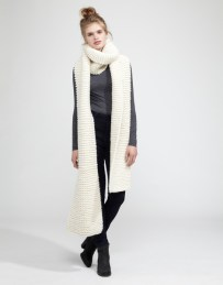 FOXY ROXY - http://www.woolandthegang.com/shop/products/foxy-roxy-3/ivory-white