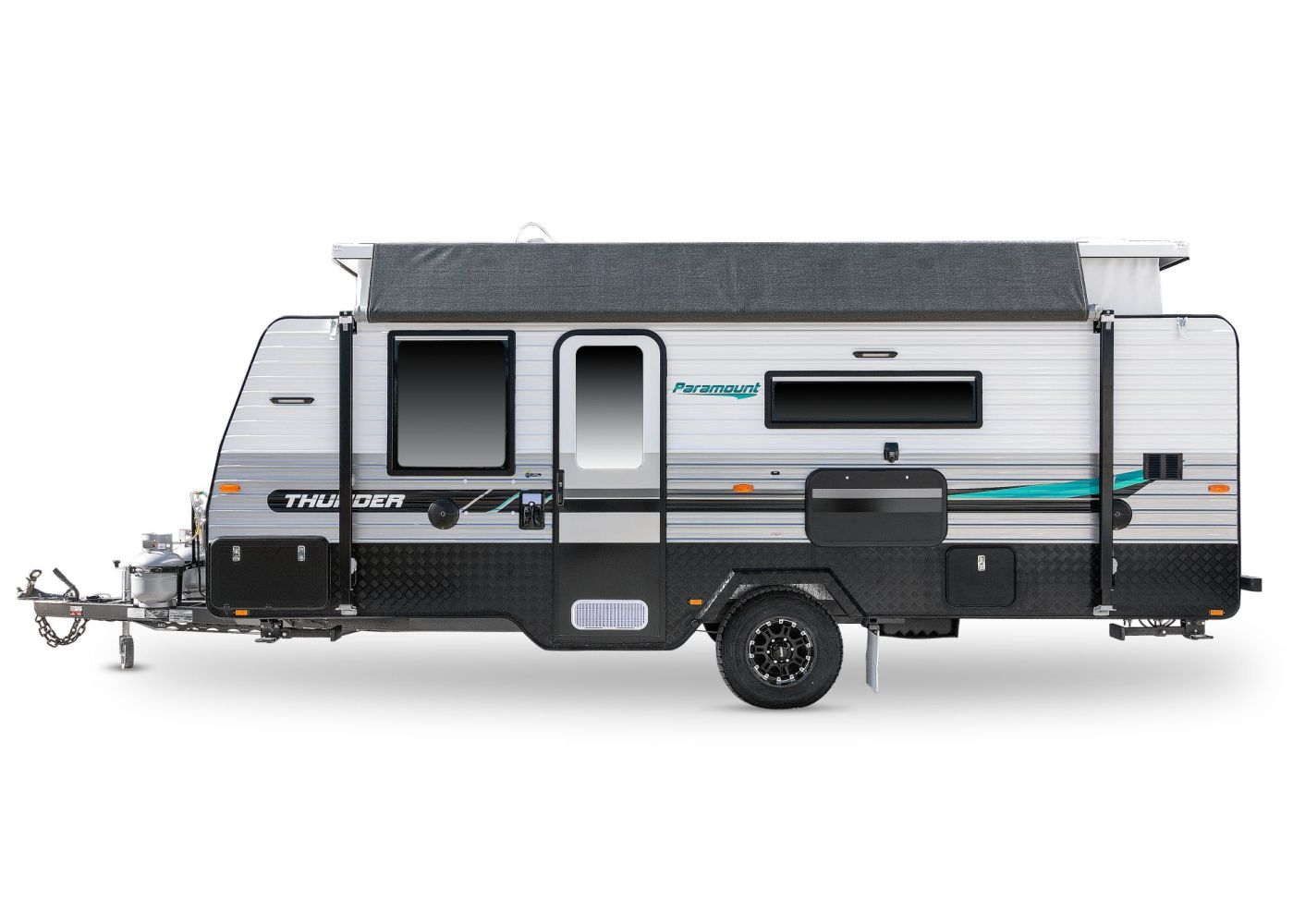 thunder 186 paramount caravans c5713 dom 062019 1.jpg white background with drop shadow