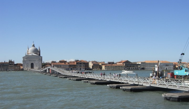 <em>Ponte di barche per la festa del Redentore a Venezia</em>